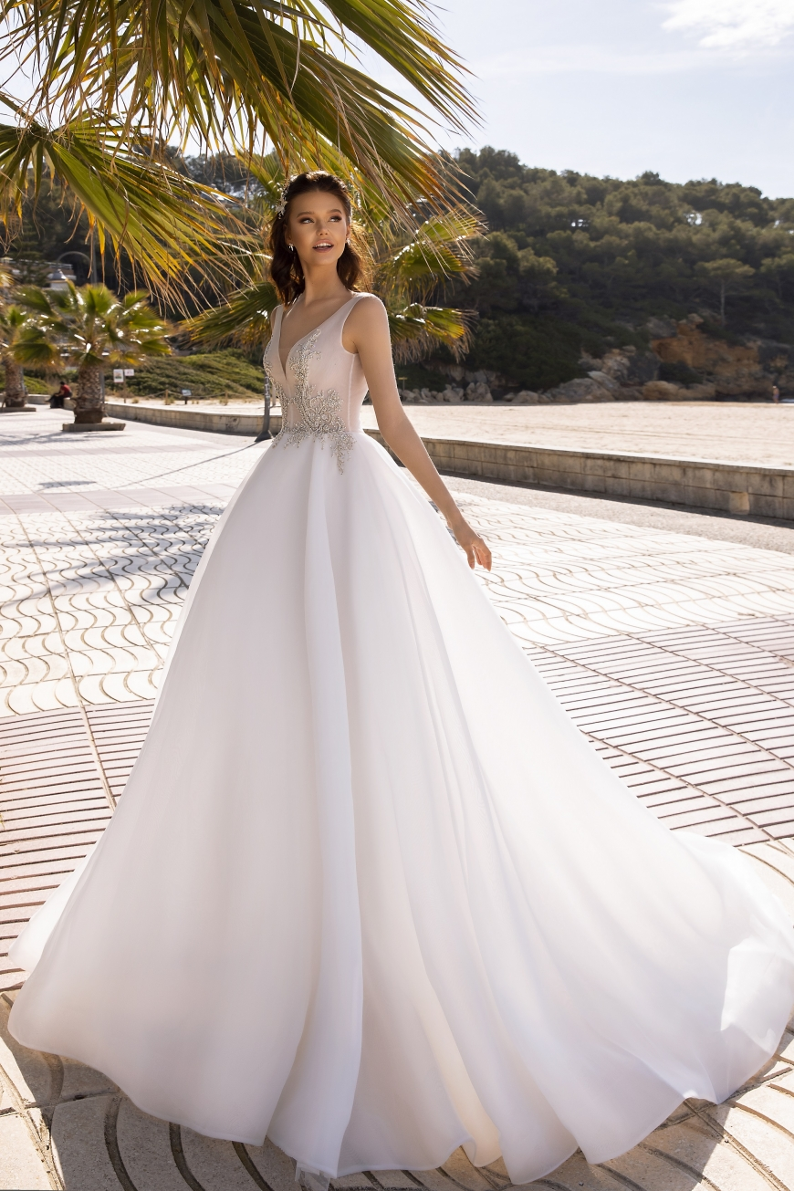 wedding dress tilda