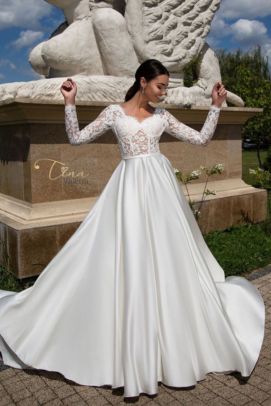 wedding dress Carmen
