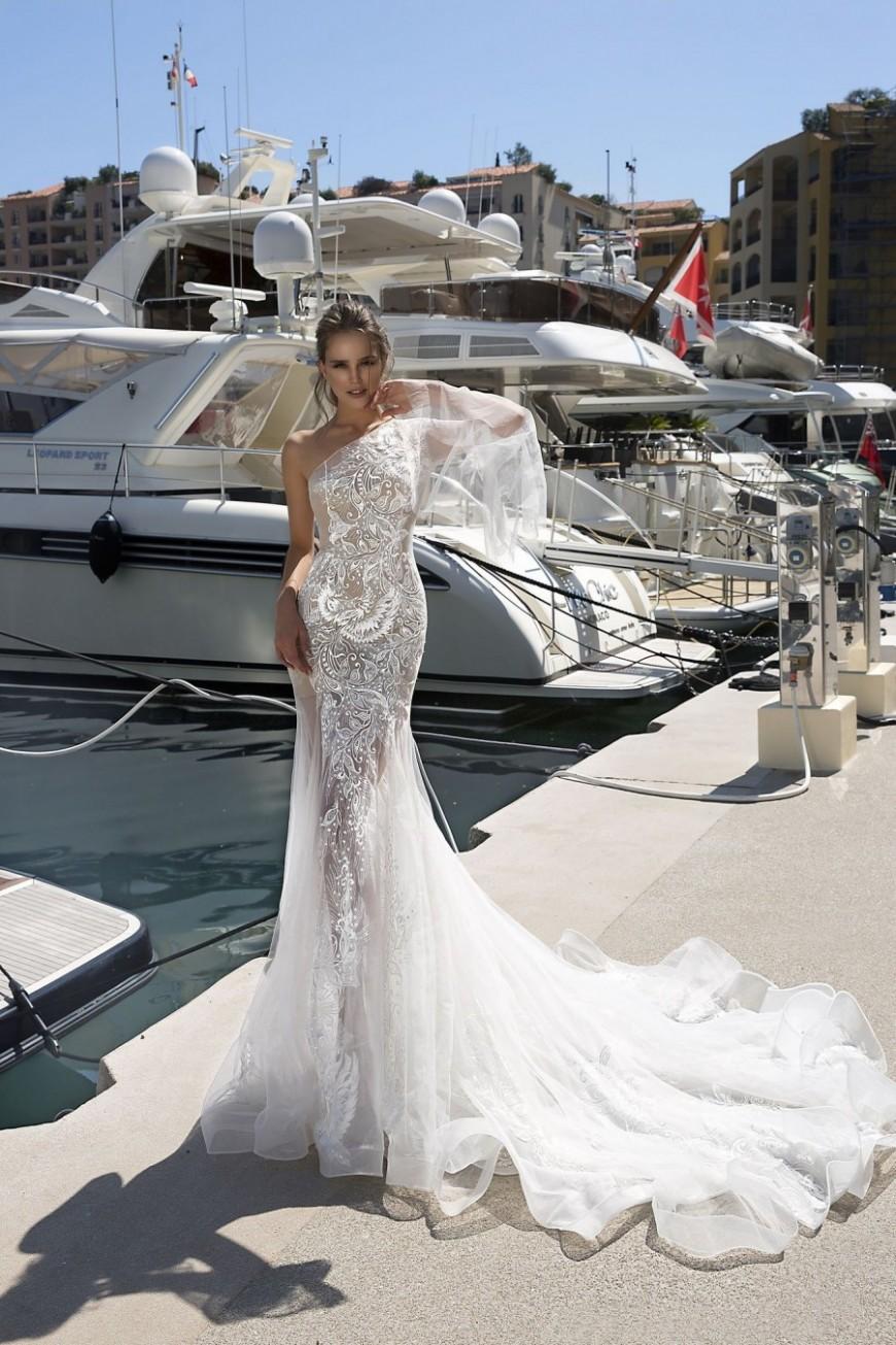 wedding dress Rossaleen