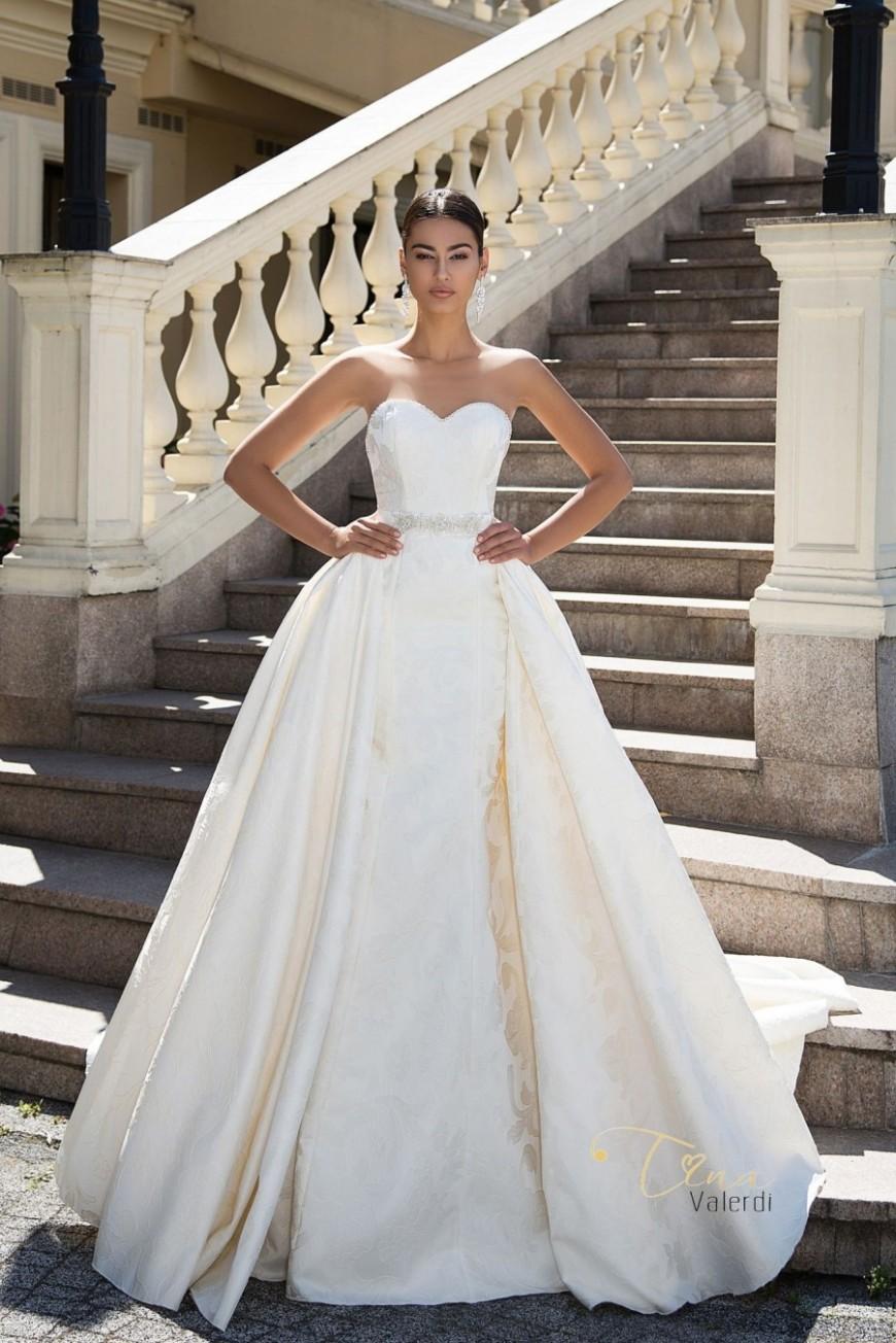 wedding dress Linda