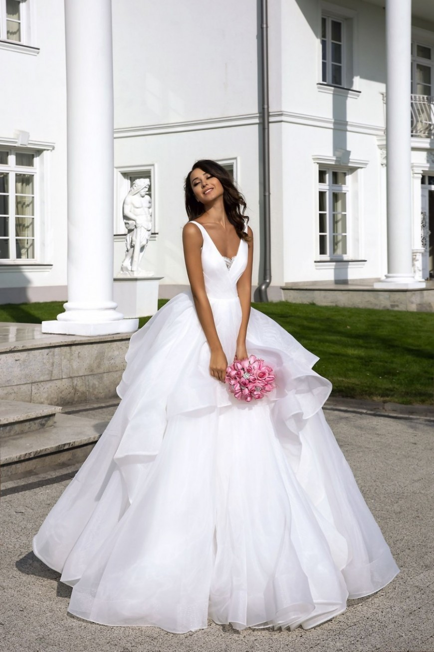 wedding dress Geneviene