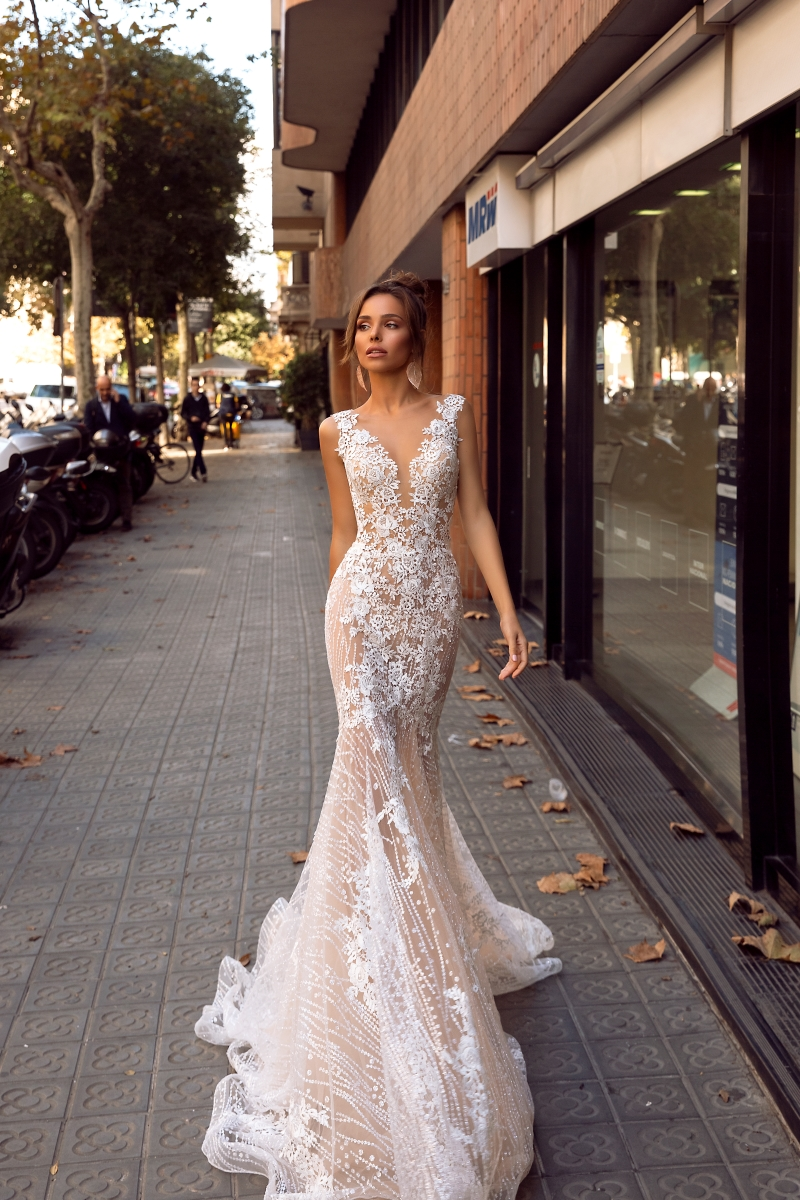 27571096b8 Tina Valerdi - Manufacturer of wedding dresses and accessories ...