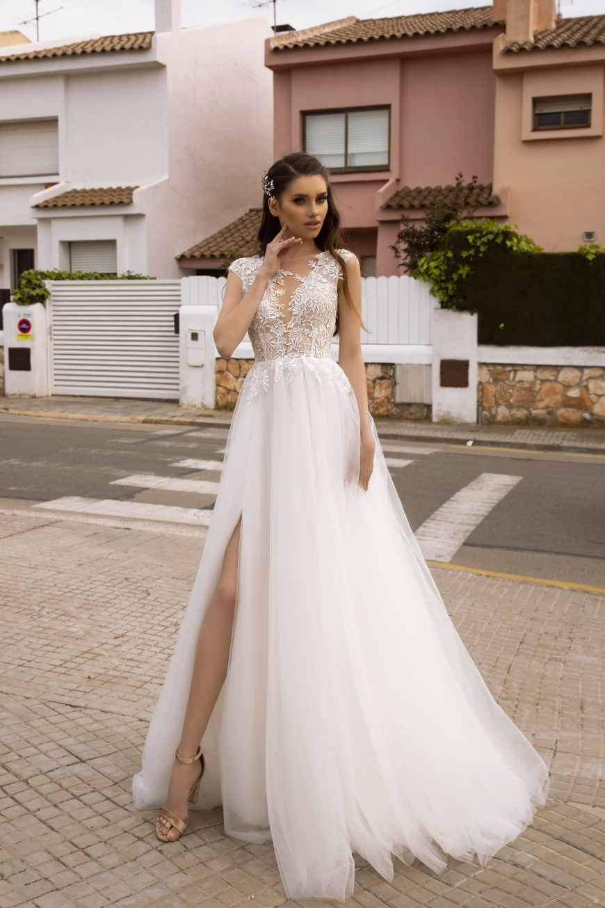wedding dress waneetta