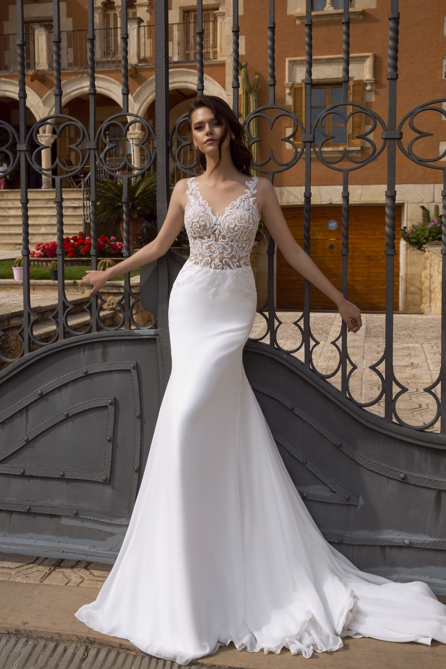 wedding dress mirabella