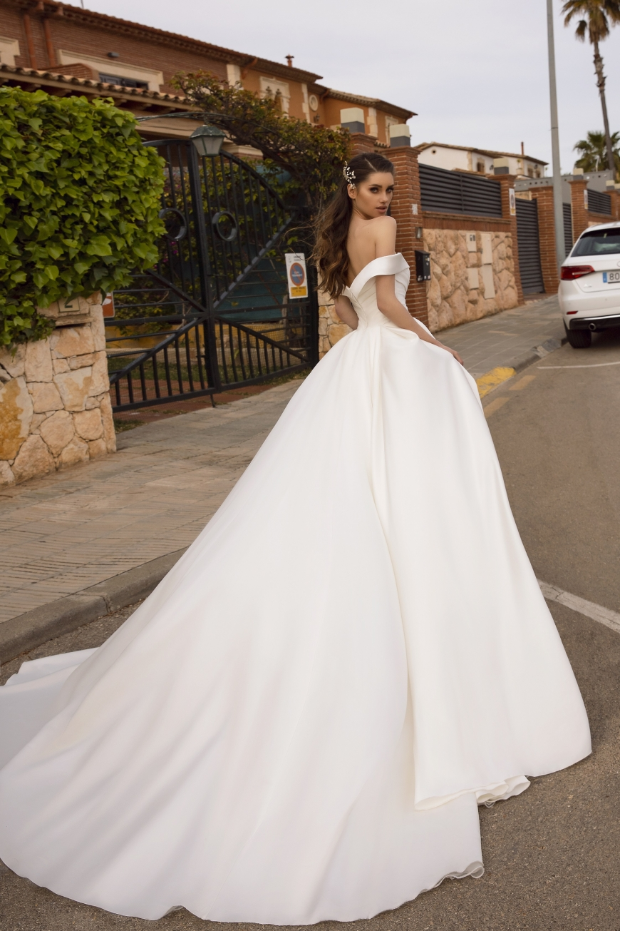 wedding dress ramona