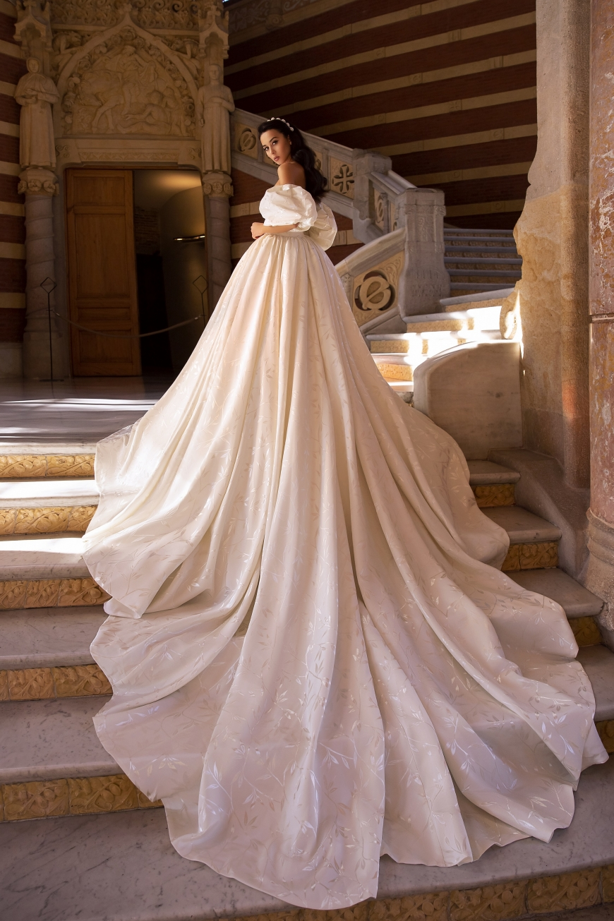wedding dress yvonne