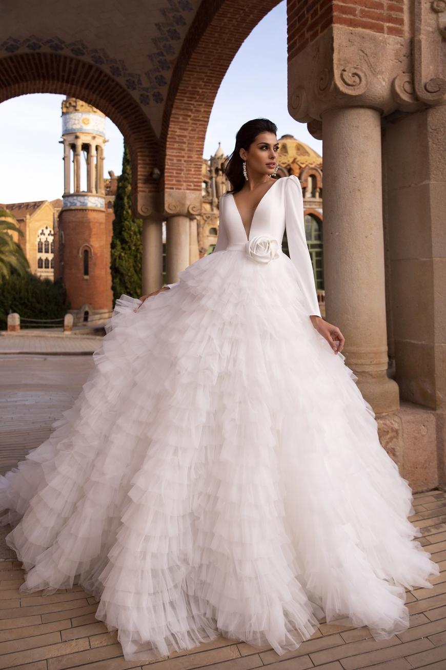wedding dress melodie