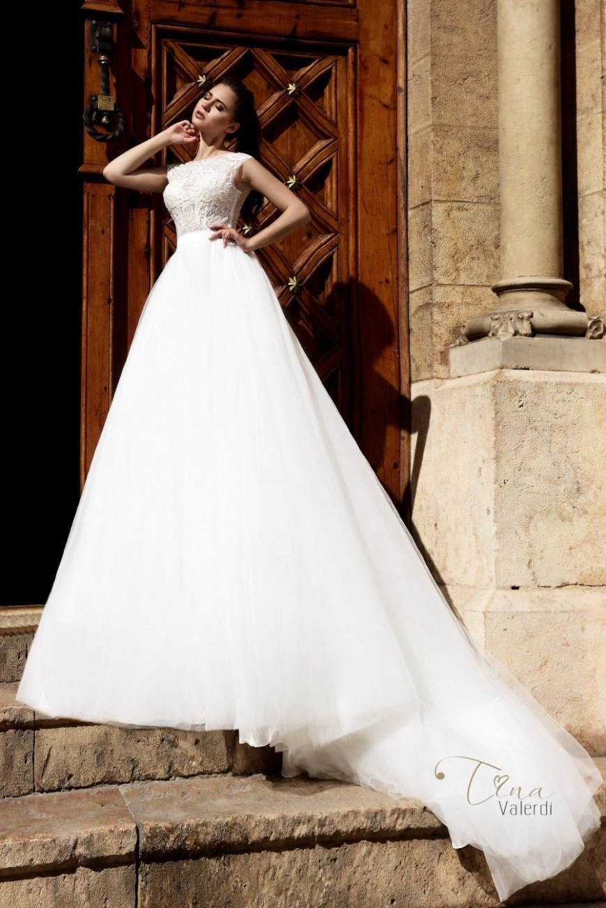 wedding dress Dominica