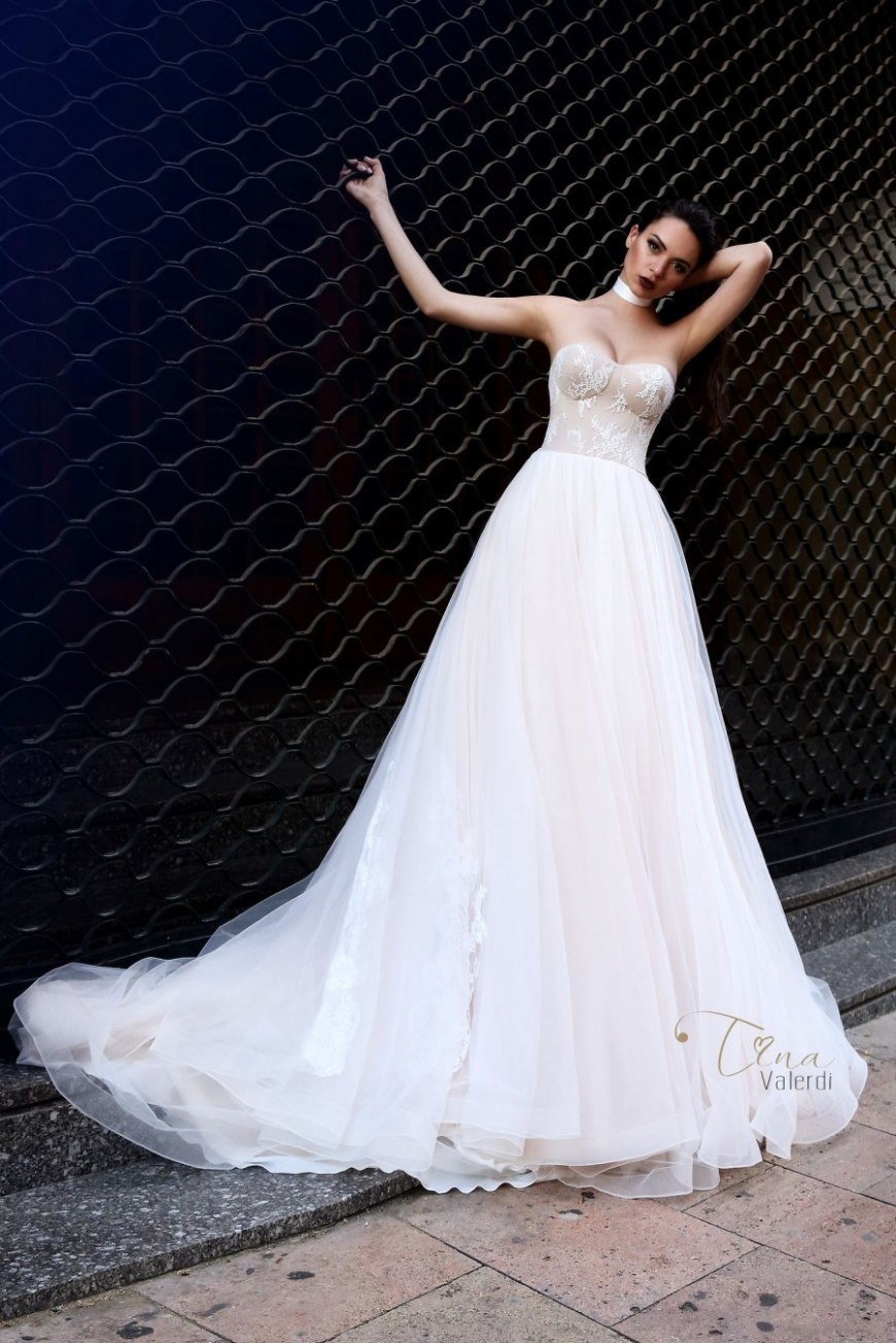 wedding dress Tiffany