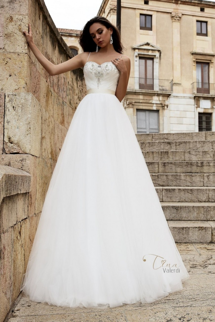 wedding dress Amalia