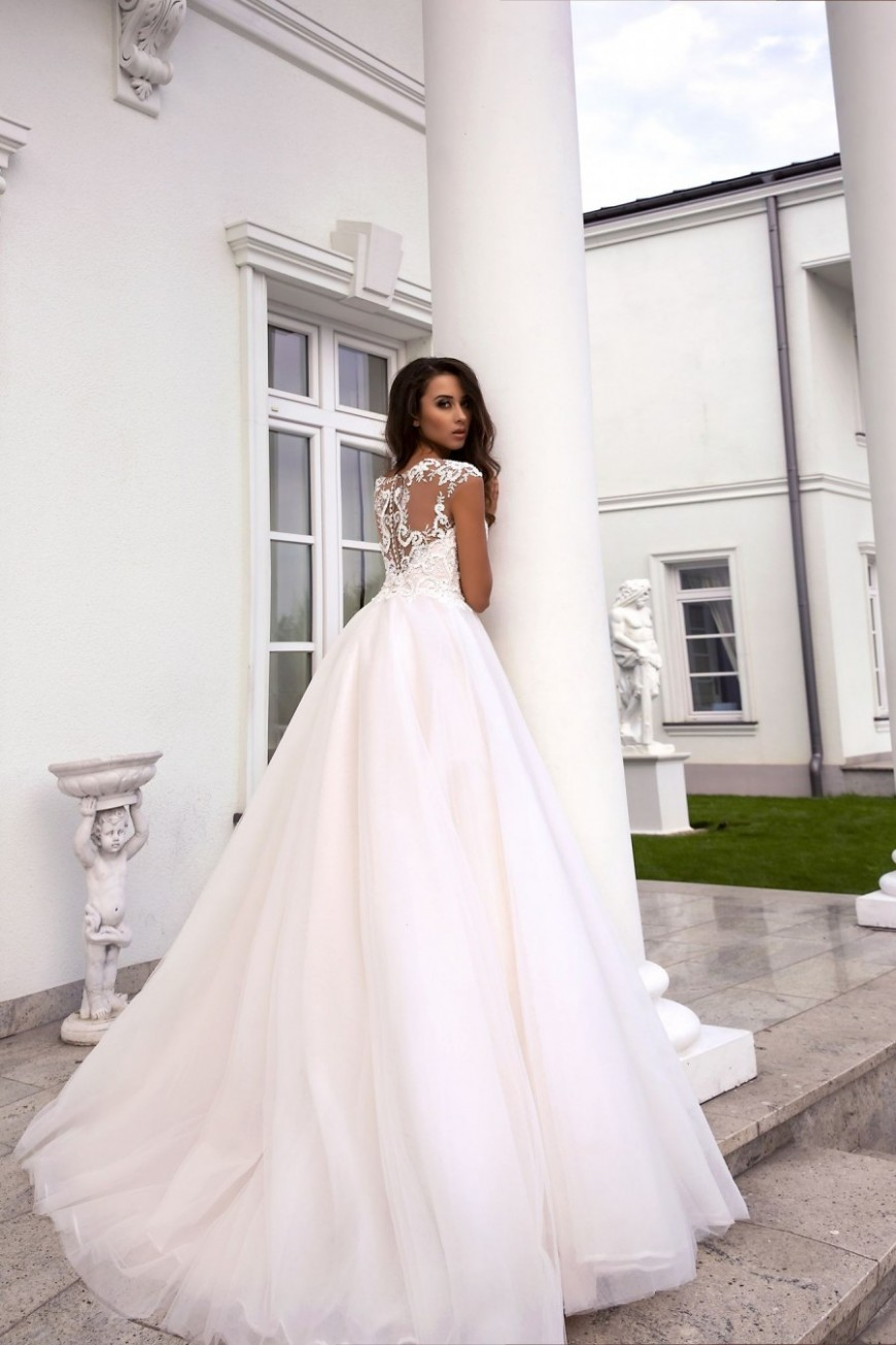 wedding dress Avalon