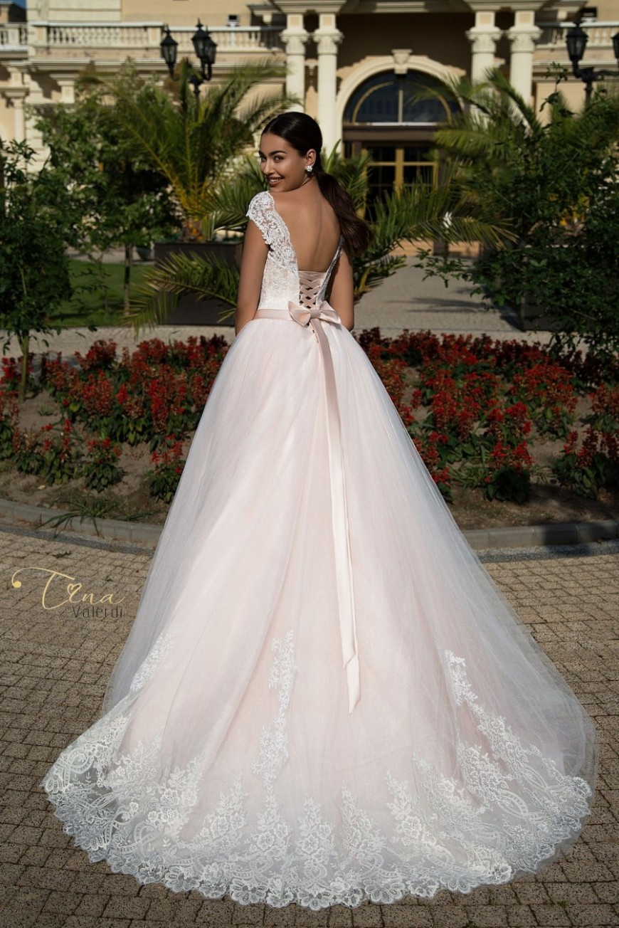 wedding dress Kristal2