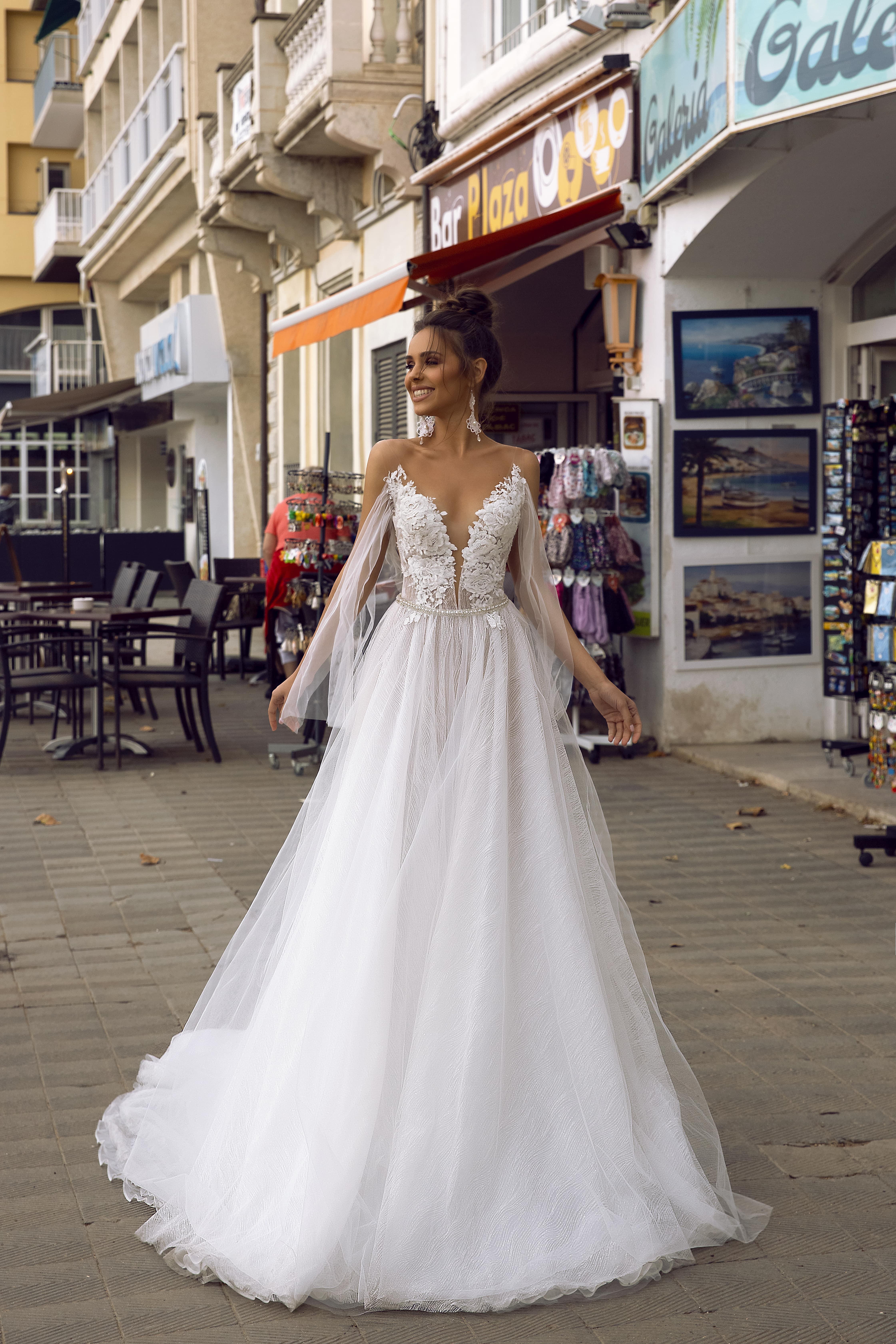 Best wedding dresses for pear shaped brides   Tina Valerdi
