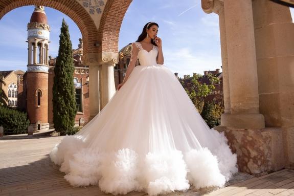 Tina Valerdi Manufacturer Of Wedding Dresses And Accessories